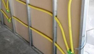 Пркладка электропроводки внутри гипсокартонной стены