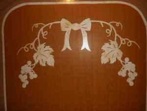 Обивка и декорирование входной двери