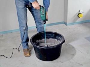 Подготовка и заливка пола строительной смесью