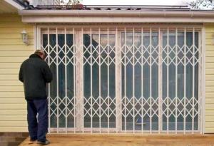 Решетки на окна раздвижные