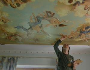 Роспись потолка акриловыми красками
