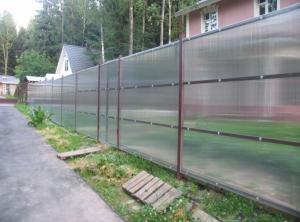 Забор из поликарбоната сотового