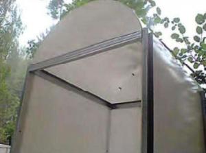 Каркас, выполненный из оцинкованного профиля.
